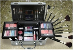 Maleta de maquiagem Jasmyne + kit com 12 pincéis - R$149.90