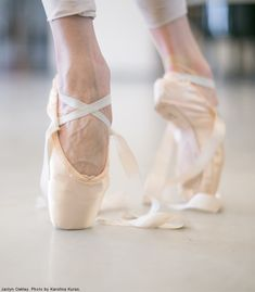 "nationalballet: "" Life of a Dancer: Pointe shoe ribbon. "" #Ballet_beautie #sur_les_pointes * Ballet_beautie,"