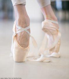 "nationalballet: "" Life of a Dancer: Pointe shoe ribbon. "" #Ballet_beautie #sur_les_pointes * Ballet_beautie,"