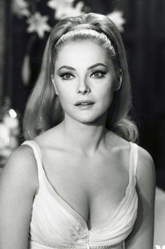 Virna Pieralisi November 1936 – 18 December better known as Virna Lisi, was an Italian actress. Hollywood Glamour, Hollywood Stars, Classic Hollywood, Old Hollywood, Hollywood Quotes, Hollywood Bedroom, Hollywood Gowns, Hollywood Curls, Hollywood Makeup