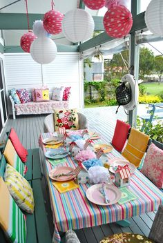 It is the season of fun summer parties. We offer you the most inspirational ideas for outdoor party supplies that will WoW your guests! Summer Time, Summer Fun, Garden Table, Party Garden, Colorful Party, Outdoor Living, Outdoor Decor, Summer Parties, Dinner Parties