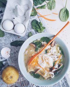 Kirkas kanakeitto // Chicken Soup Food & Style Alisa Wilska, Suusta suuhun Photo Alisa Wilska www.maku.fi