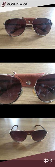 Kardashian Kollection aviator sunglasses Kardashian Kollection aviator sunglasses with middle leather trim Detail Leather trim has a small tear on right side, see pictures Kardashian Kollection Accessories Sunglasses