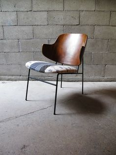 a true mid-century icon! this sweet original koford larsen chairs have been reupholstered in a hip contemporary japanese textile. Vintage Furniture, Modern Furniture, Furniture Design, Cool Chairs, Lounge Chairs, Awesome Chairs, Love Chair, Living Furniture, Home Decor Kitchen