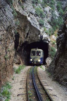 Odontotos rack railway in Kalavryta (Peloponnese) Places In Greece, Go Greek, Train Pictures, World View, Thessaloniki, Train Tracks, Beautiful Places To Visit, Amalfi Coast, Greece Travel