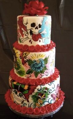 Beautiful tattoo inspired cake.