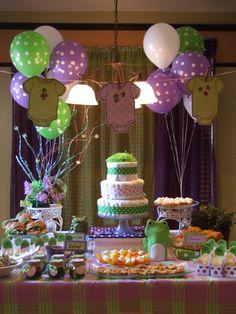 Baby shower con temática de sapito de colores púrpura y verde. #DEcoracionBabyShower