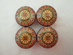 Set of 4 Traditional Medallion Cabinet Knobs