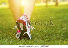 Grondoefeningen En Hardlopen Stockfoto's, afbeeldingen & plaatjes…
