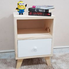 Pallet Projects, Home Office, Nightstand, Diy And Crafts, Woodworking, Layout, Bedroom, Table, Furniture