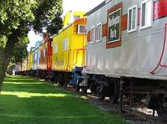 Red Caboose Motel, Strasburg, PA   GREAT Family Fun!! Next door to the National Train Museum