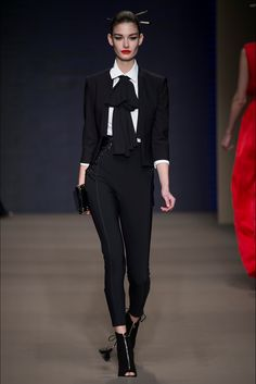 Sfilata Elisabetta Franchi Milano - Collezioni Autunno Inverno 2015-16 -  Vogue af07e2dc2c5
