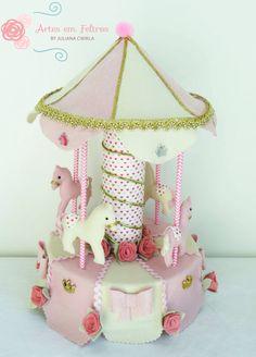 Carousel Powys Felt Crafts, Paper Crafts, Diy Crafts, Girl Birthday, Birthday Parties, Birthday Cakes, Carousel Party, Circus Theme, Felt Dolls