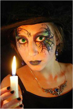 a beautiful woman made like a witch - halloween make-up Source by beaterser Halloween Makeup Witch, Looks Halloween, Witch Makeup, Halloween 2019, Fall Halloween, Halloween Ideas, Halloween Party, Halloween Witches, Witch Face Paint