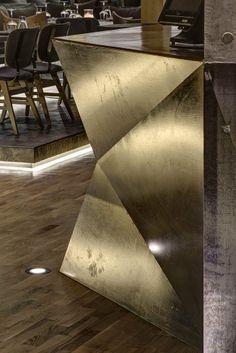 Gilded Side for Bar Counter Design Bar Restaurant, Cafe Restaurant, Restaurant Entrance, Restaurant Counter, Commercial Design, Commercial Interiors, Club Design, Bar Lounge, Hotel Interiors