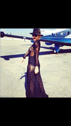 Rita Ora on her way to #coachella #love !!