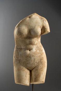 A Roman marble torso of Aphrodite, circa Century A. Roman Sculpture, Art Sculpture, Ancient Rome, Ancient Art, Aphrodite, Roman Artifacts, Art Roman, Art Premier, Ancient Civilizations