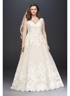 Scallop V-Neck Lace Tulle Plus Size Wedding Dress 4XL9WG3850