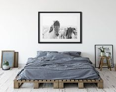 Double Headboard: 60 Enthusiastic Models to Decorate Your Home - Home Fashion Trend Minimalist Bedroom Boho, Room Interior, Interior Design, Interior Minimalista, Aesthetic Room Decor, Home Decor Store, Apartment Design, Home Decor Inspiration, Home And Living