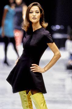 Versace Fall 1991 Ready-to-Wear Fashion Show - Linda Evangelista