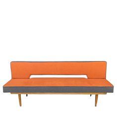 czechosłowacka sofa z lat 60.