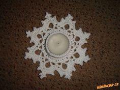HÁČKOVÁNÍ - Svícen ve tvaru vločky - na čajovou svíčku Crochet Tree, Knit Crochet, Christmas Decorations, Holiday Decor, Diy And Crafts, Projects To Try, Crochet Patterns, Santa, Xmas
