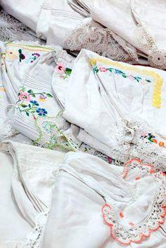 Haftowane koszule - Magazyn Tkanin,Państwowe #Muzeum Etnograficzne w Warszawie,fot.A.Stelmach// #embroidery #TextileStorage  of the #ethnomuseum  in Warsaw, Poland #hafty #oldfashion #folkfashion