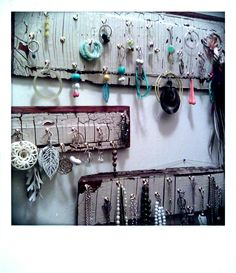 make your own jewelry display     see Fusion beads blog