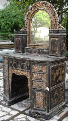 dressing table ~ what a find this would be