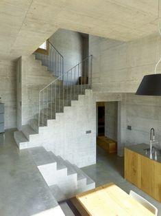 Vertical rail steel banister// Maison Fabrizzi by Savioz Fabrizzi Architecte