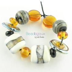 Diversity - glass by Leslie Deaunne of Beadbijoux