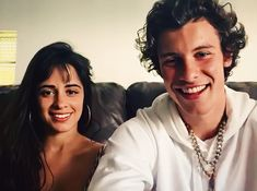 Camila Cabello and Shawn Mendes Shawn Mendes Kissing, Billie Eilish, Mom And Dad, Husband, Couples, People, Muffin, Hairstyles For The Gym, Hairstyles With Bangs