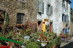 Recouvrance (Brest) — La rue de Saint-Malo : les plus vieux pavés, la plus vieille ambiance brestoise.