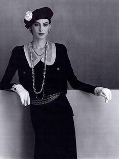 Ines de la Fressange (1984), exclusive model for Chanel between 1983 and 1989 #Chanel #Ines Visit espritdegabrielle.com | L'héritage de Coco Chanel #espritdegabrielle
