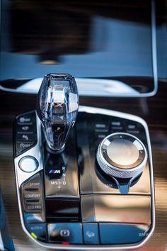 Luxury Car Brands, Luxury Cars, Automotive News, Automotive Design, Bmw X7, Bmw Wallpapers, Suv Trucks, Vans, Pretty Cars