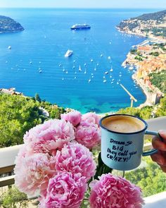 Breakfast in Villefranche sur Mer - Click the link in BIO and SAVE UP TO on your hotels Photo by Admin All right belong to their respective owners Coffee And Books, Coffee Art, Coffee Cups, Breakfast On The Beach, Villefranche Sur Mer, Good Morning Coffee, Flower Phone Wallpaper, Coffee Photography, Landscape Pictures