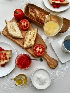 シークレットスペイン Olive Oil, Camembert Cheese, Food, Essen, Meals, Yemek, Eten