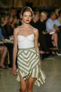 Zac Posen at New York Fashion Week Spring 2003 New York Fashion, Runway Fashion, Fashion Show, High Fashion, Sonia Rykiel, Donna Karan, Vivienne Westwood, Mario Testino, Nathalia Vodianova