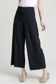 1386ce4d1f24 These are the perfect basic black pant that can be worn casual with a  tucked in tee crop top or dressed up with a blouse