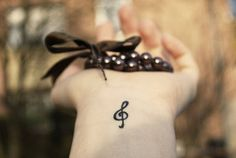 Music note on wrist, so cute