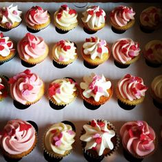 Miss Nattie's mini valentines cupcakes Valentines Day, Goodies, Cupcakes, Mini, Desserts, How To Make, Food, Valentines Diy, Sweet Like Candy