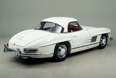 1963 Mercedes-Benz 300SL Roadster VIN: 198042-10-003257 The last run of the legendary 300 SL Roadster happened in January and February of 1963. Twenty-six cars would be built in those two months, with the last six built in February. Chassis 3257 was completed the day before the factory closed on February 7th 1963, making it the …