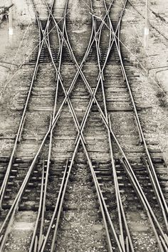 500px / Untitled photo by Yunus Dolen.  train tracks, criss cross, patterns, urban, transportation, lines, journey. find out your inspiration visiting www.i-mesh.eu and click I-LIKE on FACEBOOK: https://www.facebook.com/pages/I-MESH/633220033370693