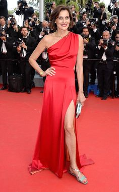 The former French model wore a red hot dress at the How to Train Your Dragon 2 premiere.