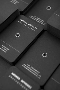 Business Card for italian photographer Andrea Roversi. See on my behance.net/bellistrami