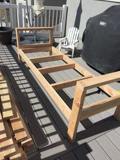 Want to hang out or entertain outside? Build this DIY outdoor furniture in one day and you can enjoy the warmth of the summer!