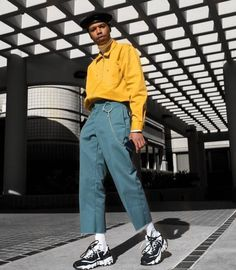 Rate this fit 1-10? Ugly kicks, wack color on pants but nice cut, props on the aesthetic and the yellow jumper, beret is peak. 7/10