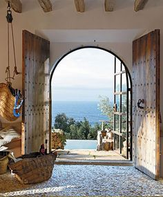 Fascinating cave house with a fascinating view of the M .- Faszinierendes Höhlenhaus mit faszinierendem Blick auf das Mittelmeer Fascinating cave house with fascinating views of the Mediterranean Sea - Alexandre De Betak, Beautiful Homes, Beautiful Places, Beautiful Ocean, Hello Beautiful, Amazing Places, Windows And Doors, Front Doors, Entry Doors