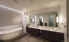 The perfect bathroom experience using light and texture