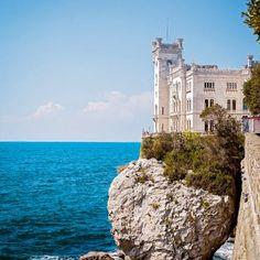 Trieste, the sleeping beauty wakes